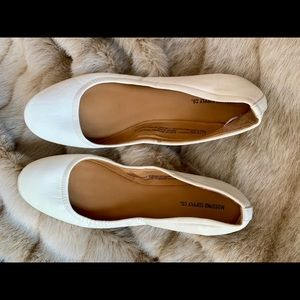 Mossimo (Target brand) white ballet flats
